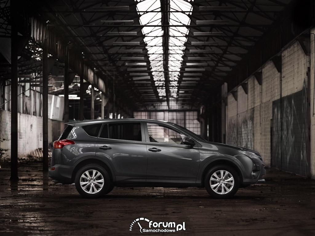 Toyota RAV4, bok, SUV