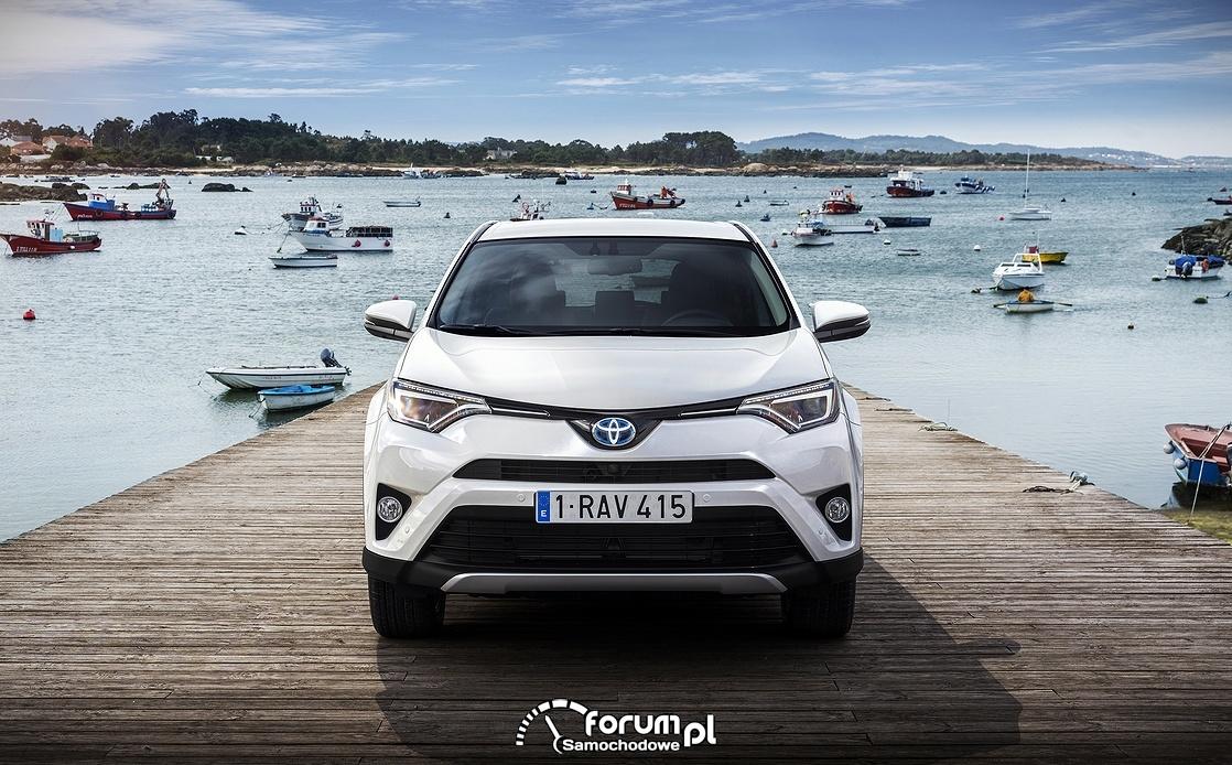 Toyota RAV4 Hybrid, przód