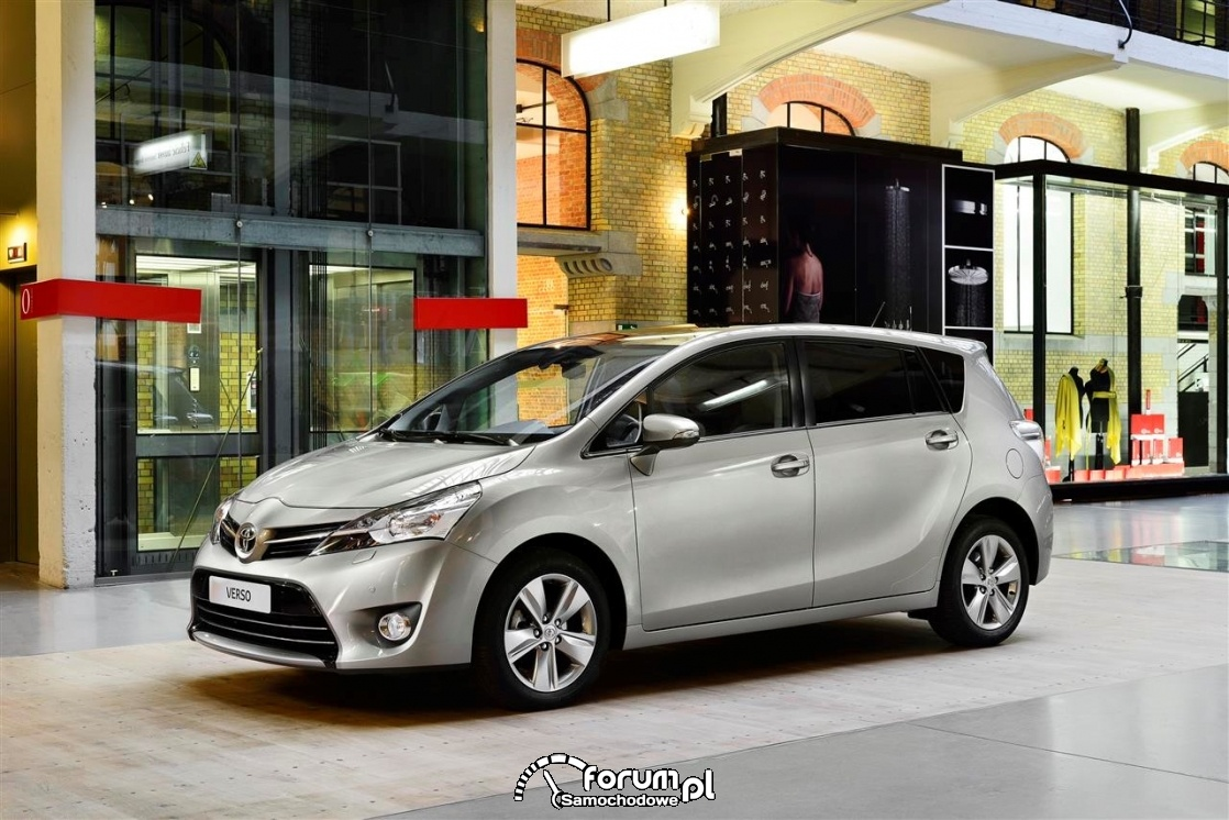 Toyota Verso (2009–2018)