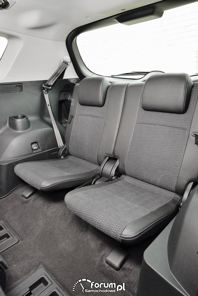 Toyota Verso, trzeci rząd siedzeń, mini van