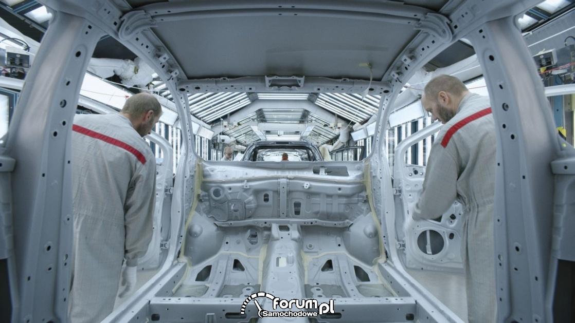 Toyota wprowadza architekturę TNGA do fabryki Yarisa we Francji
