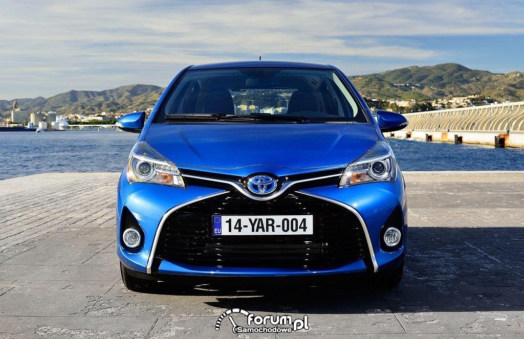 Toyota Yaris 2014, przód