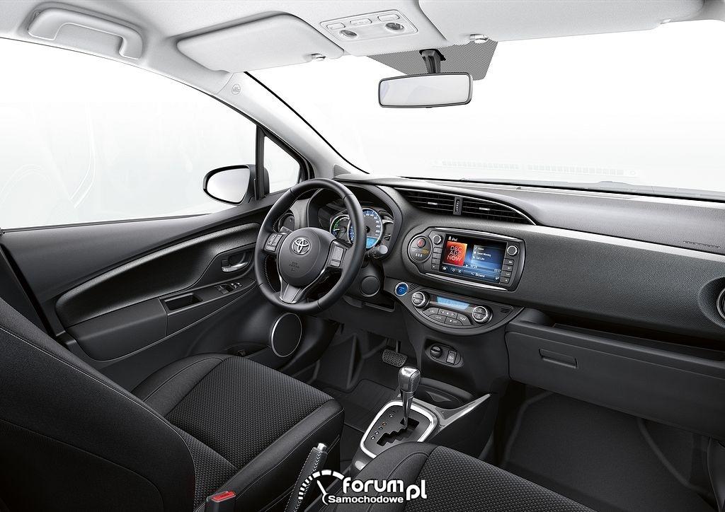Toyota Yaris 2014, wnętrze