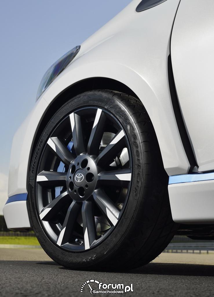 Toyota Yaris Hybrid-R, 19 calowe alufelgi