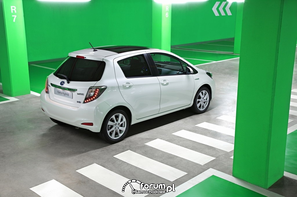Toyota Yaris Hybrid, tył