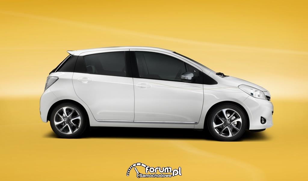 Toyota Yaris Trend, bok