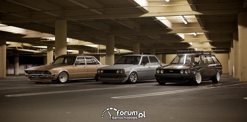 Trzy Toyoty z lat 80.