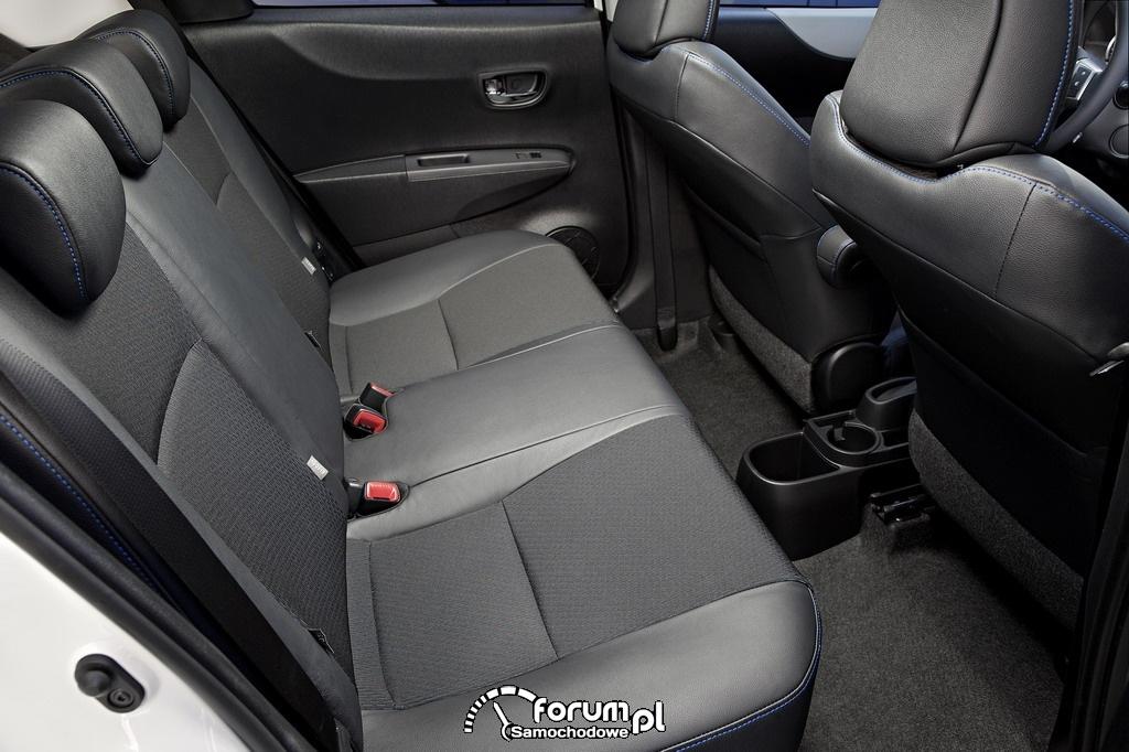 Tylna kanapa, Toyota Yaris Hybrid