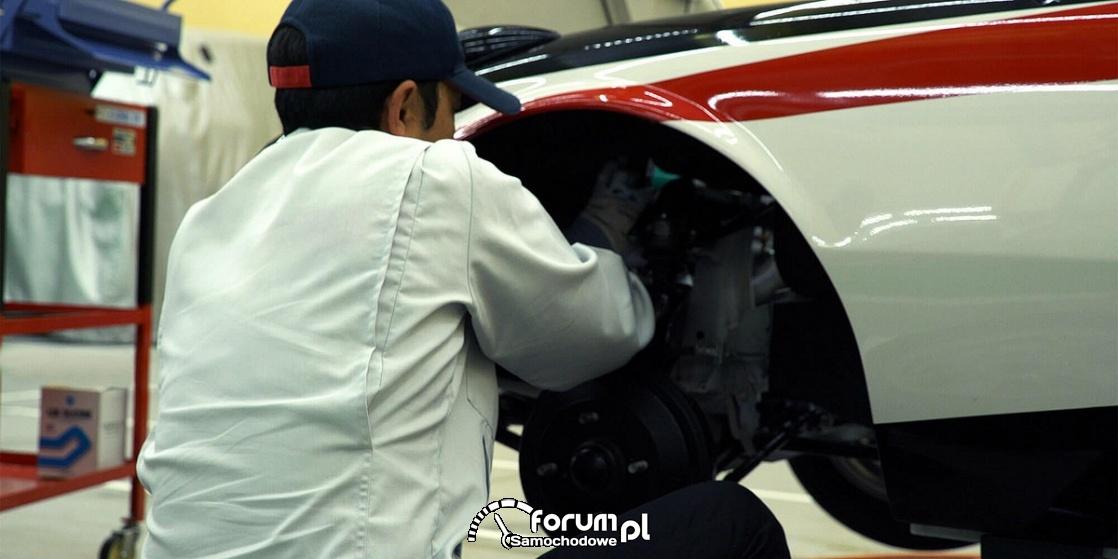 Składanie zawieszenia, Toyota Sports 800