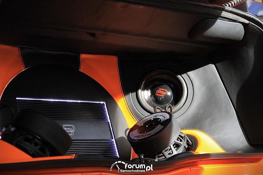 Volkswagen Golf III Cabrio, zabudowa bagażnika car-audio