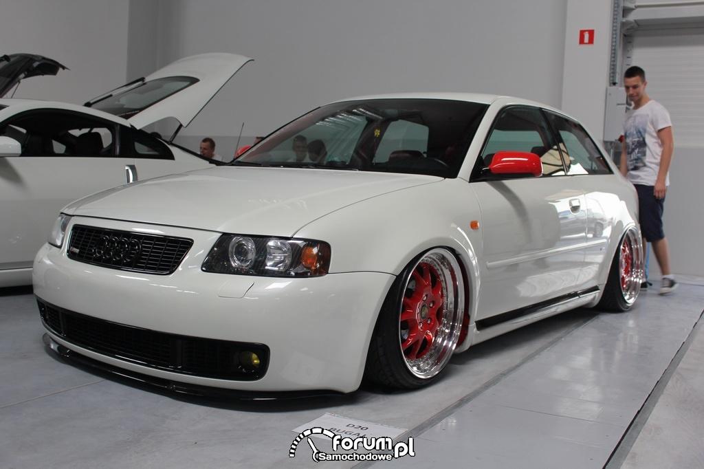 Audi A3, biało czerwony