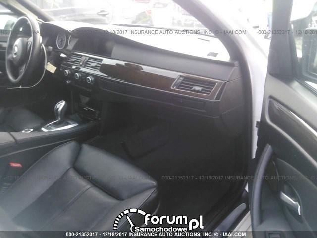 Wnętrze 2010 BMW 535i