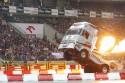 Zabawne popisy rakietowej ciężarówki