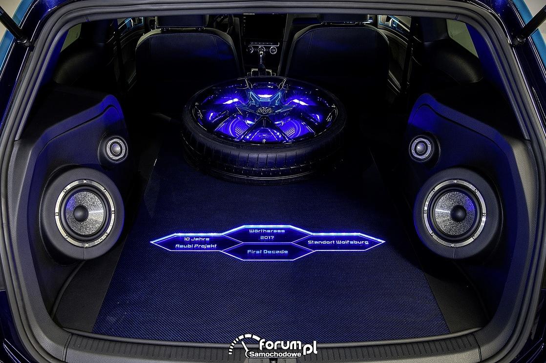 Volkswagen Golf GTI, zabudowa bagażnika Car Audio