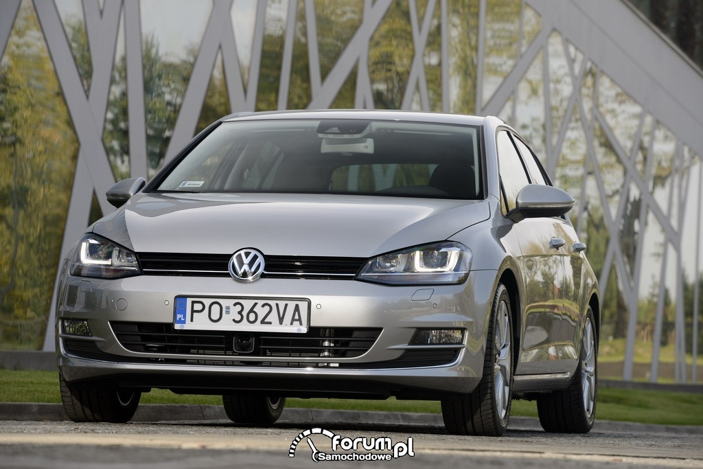 Volkswagen Golf - Internetowym samochodem roku 2012