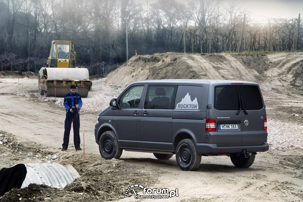 Volkswagen T5 4MOTION Rockton, na budowie