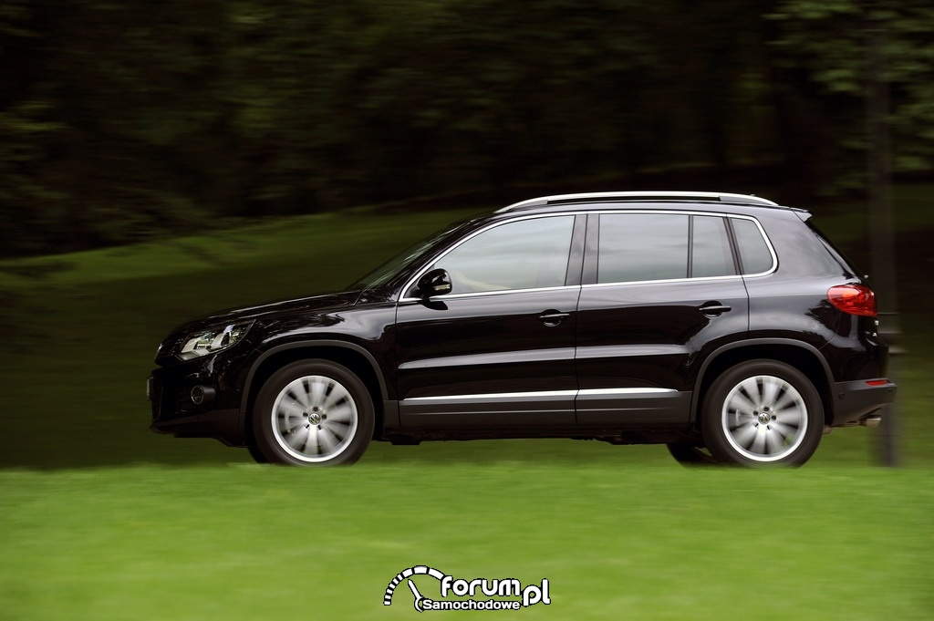Volkswagen Tiguan Sport & Style - widok z boku