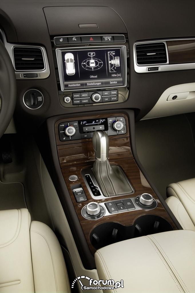 Volkswagen Touareg, środkowa konsola i ekran dotykowy