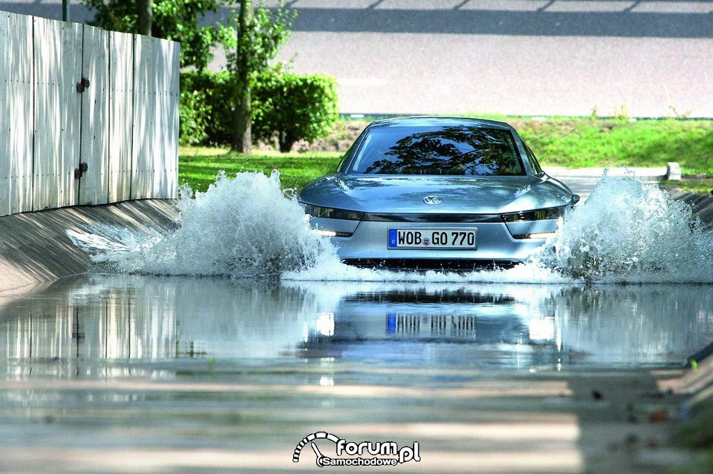 Volkswagen XL1, jazda po wodzie