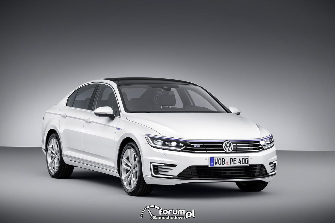 VW Passat GTE, przód
