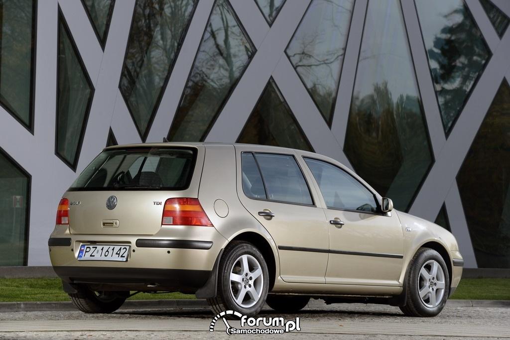 Volkswagen Golf IV, tył