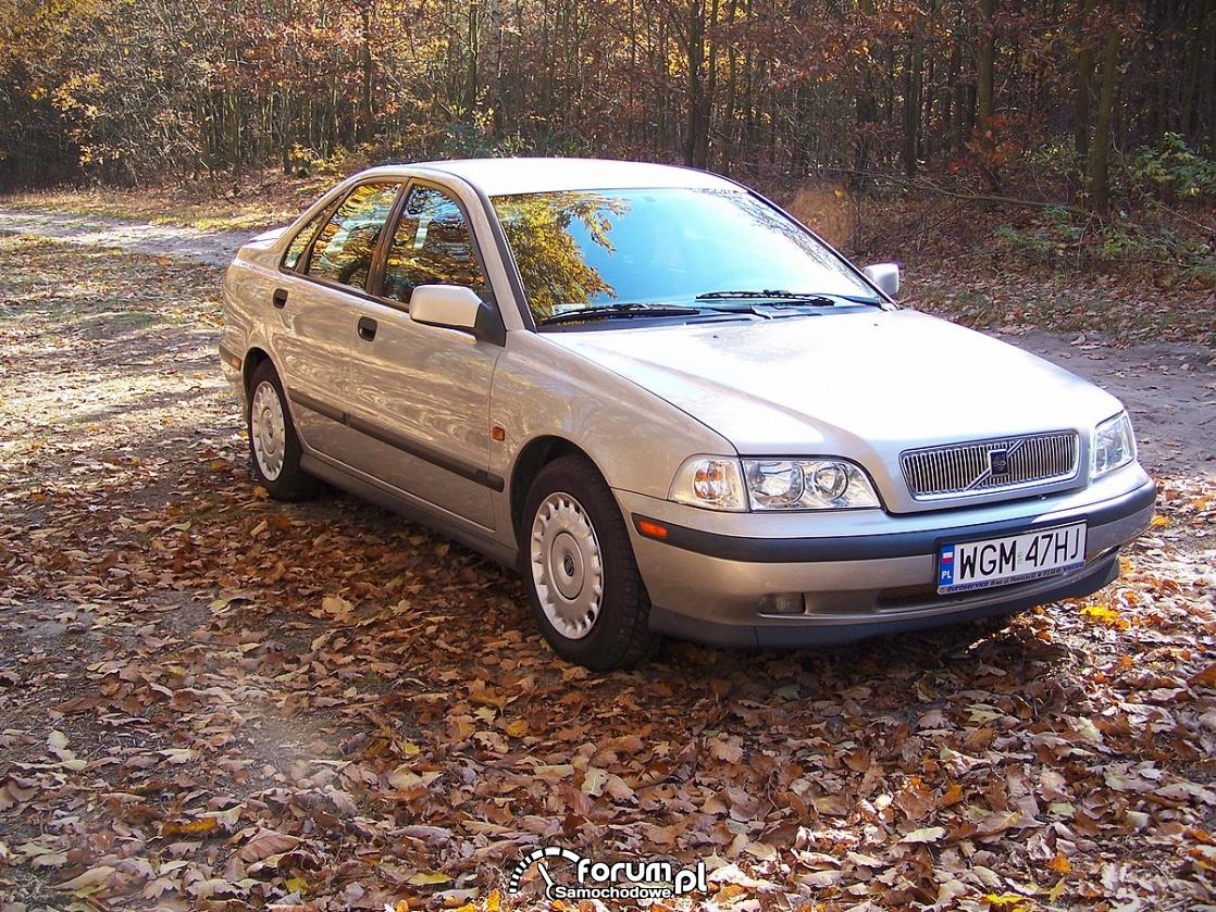 Volvo S40 2.0 140KM, prawa strona