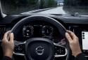 Volvo V90 Cross Country, zegary i kierownica mulimedialna