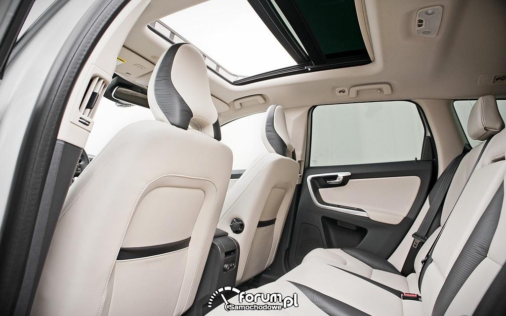 Volvo XC60 T5 Premier, jasne wnętrze, skóra, tylna kanapa