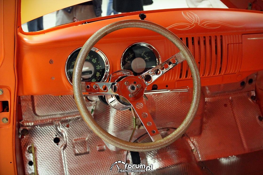 Chevrolet 3100 PickUp, zegary i kierownica