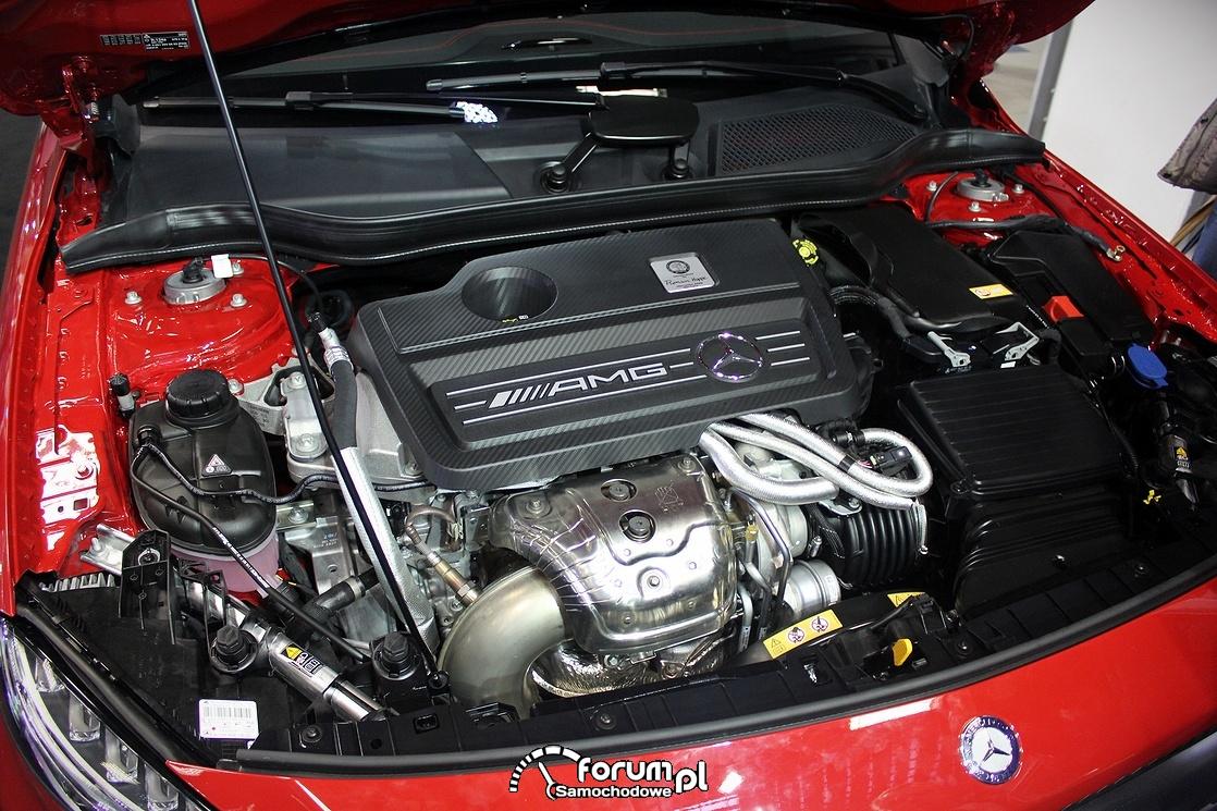 Mercedes GLA 4S AMG, silnik