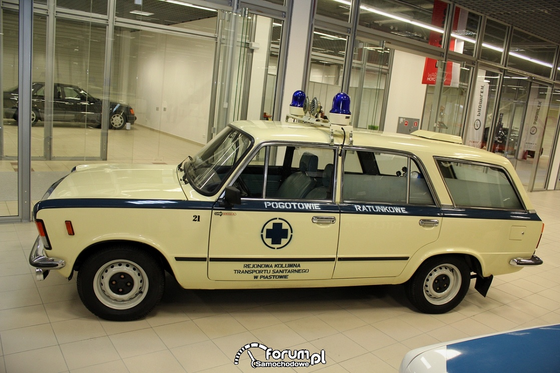 Fiat 125p kombi, karetka, pogotowie