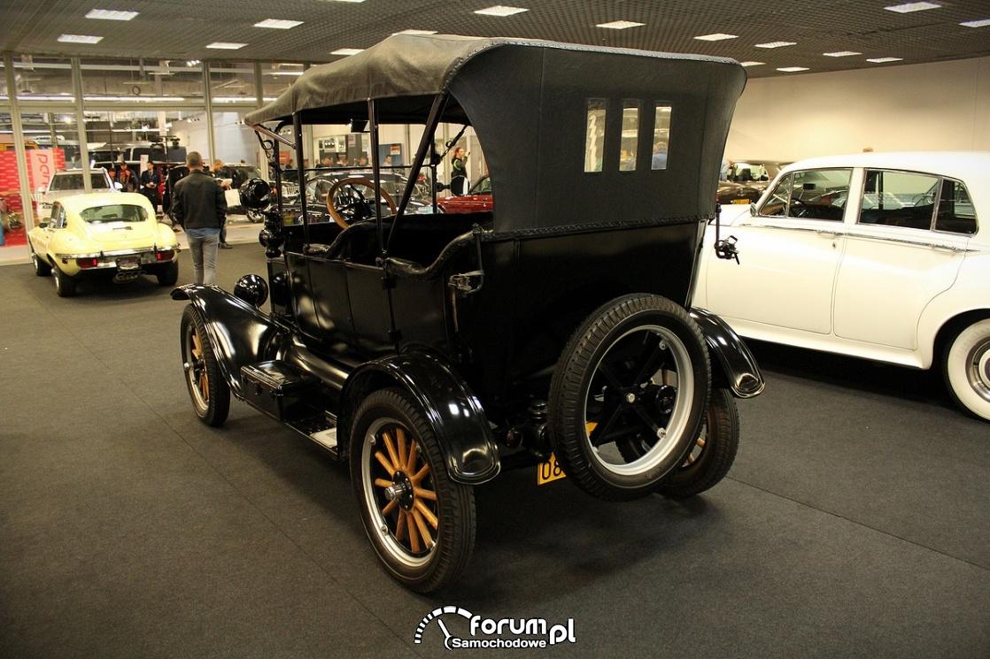 Ford T, 1917 rok, tył