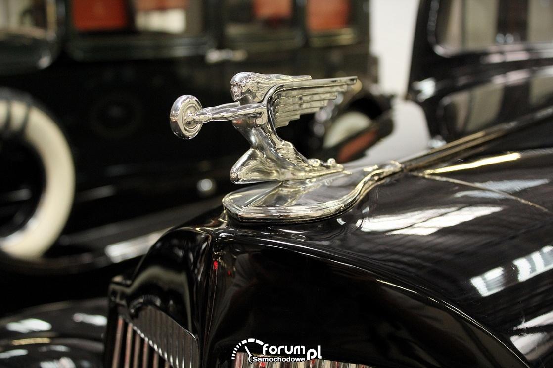 Packard Six, 1937 rok, 60KM, figurka na masce