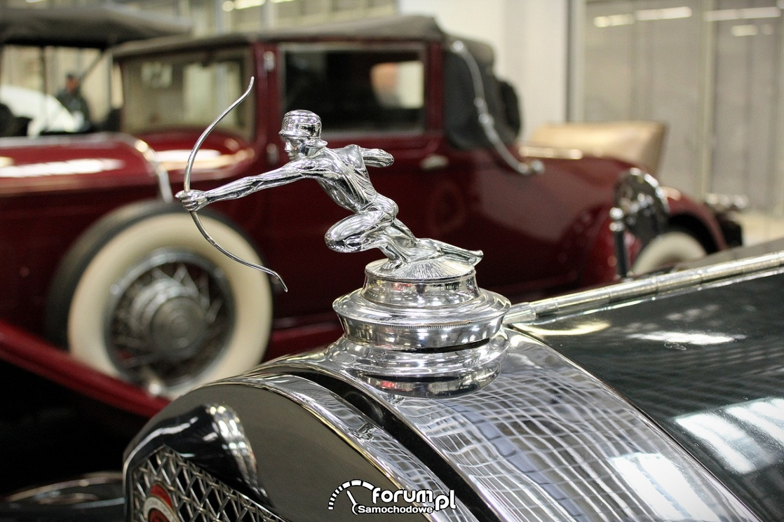 Pierce Arrow 143, 1929 rok, figurka na masce