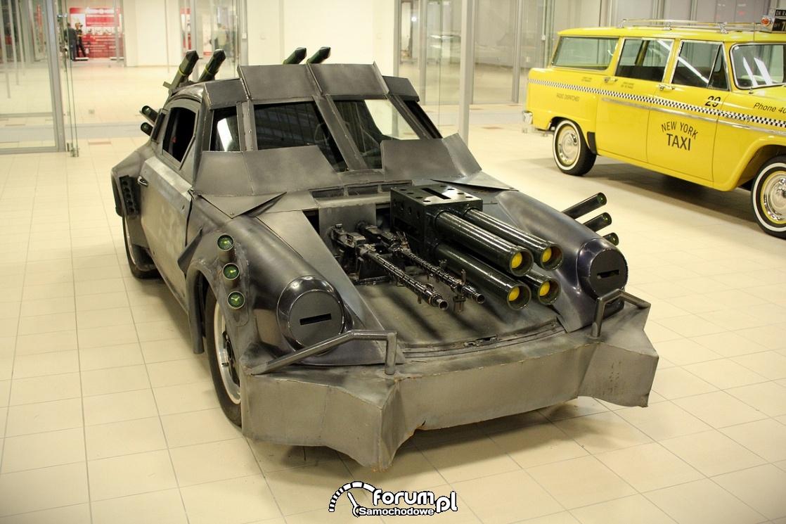 Porsche przepudowane na wóz bojowy, działka, karabiny