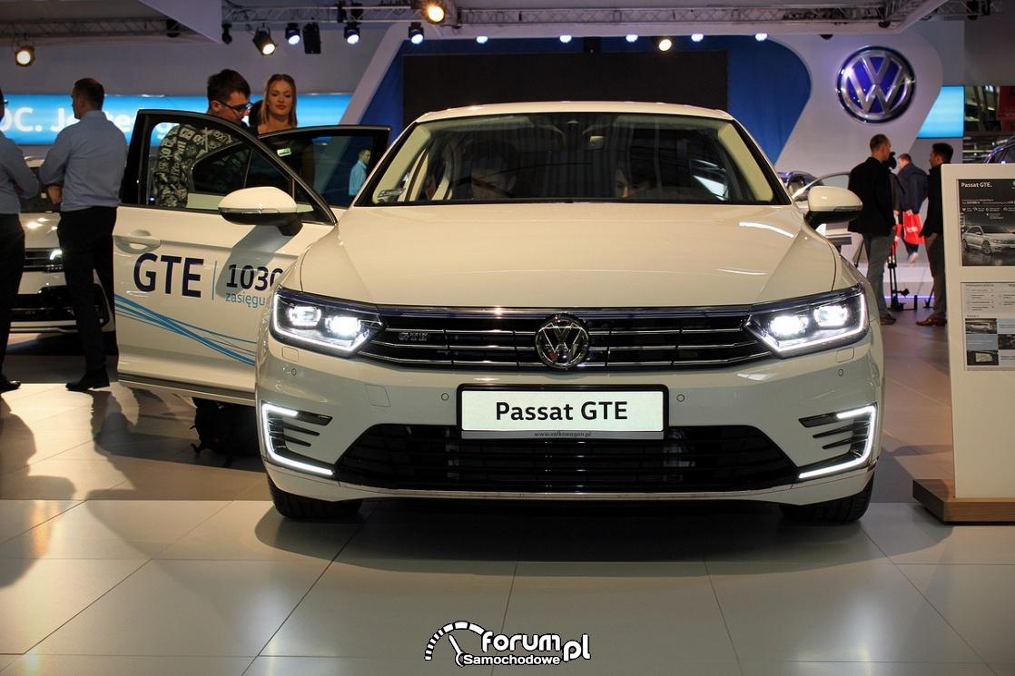 Volkswagen Passat GTE, przód