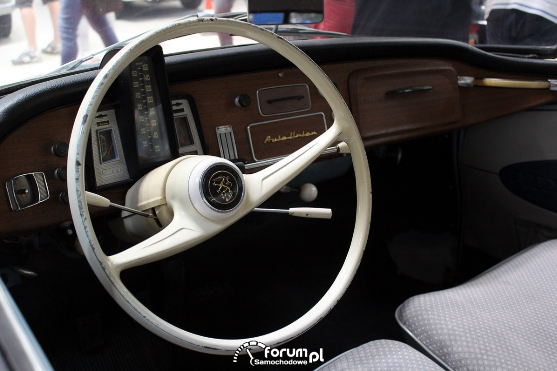DKW Auto Union, wnętrze, kierownica, deska