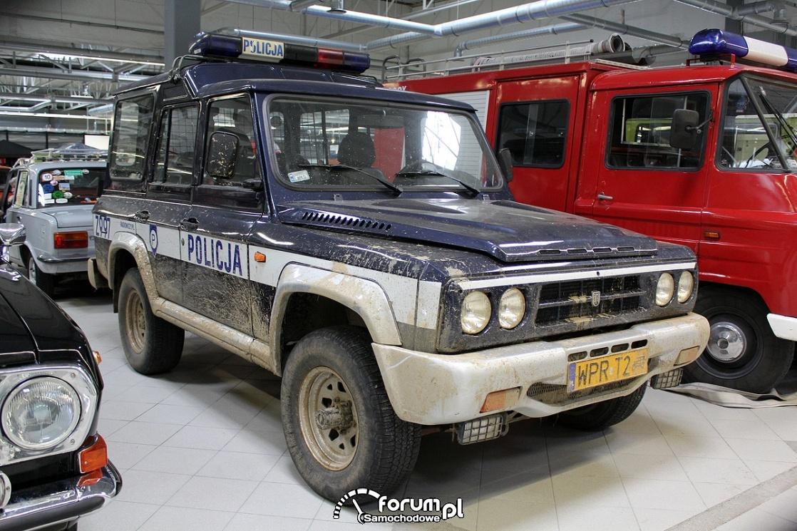 Aro 246, Policja