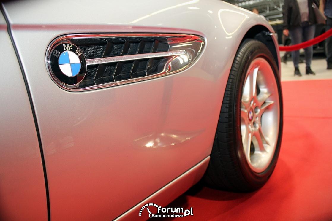 BMW Z8, Boczny wlot powietrza, skrzela