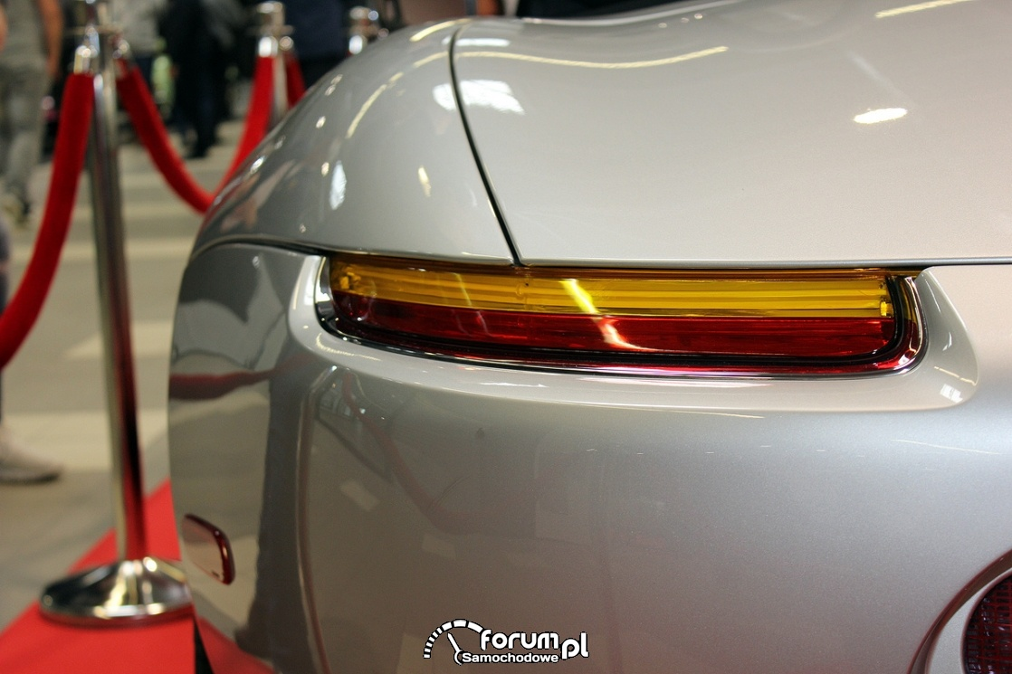 BMW Z8, tylne światło
