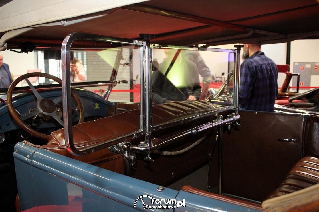 Buick Standard 6 Tourer, środkowa szklana przegroda