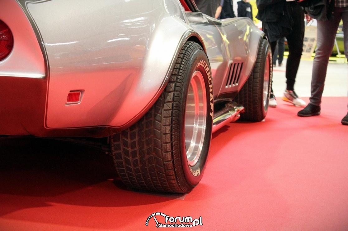 Chevrolet Corvette C3 Cabriolet, szerokie opony Mastercraft