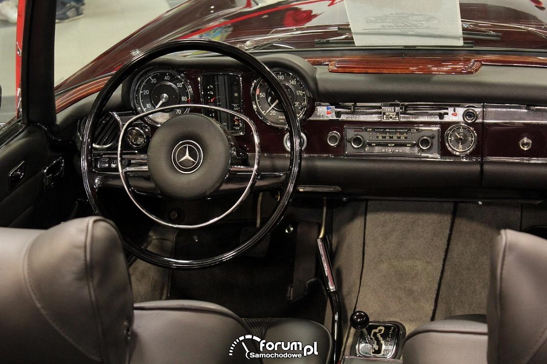 Mercedes-Benz 280SL Automatic, wnętrze