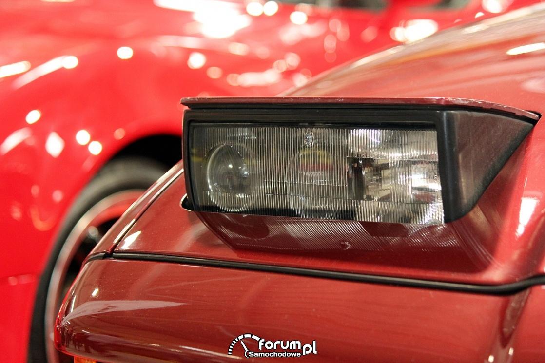 Otwierane przednie światła, BMW 850