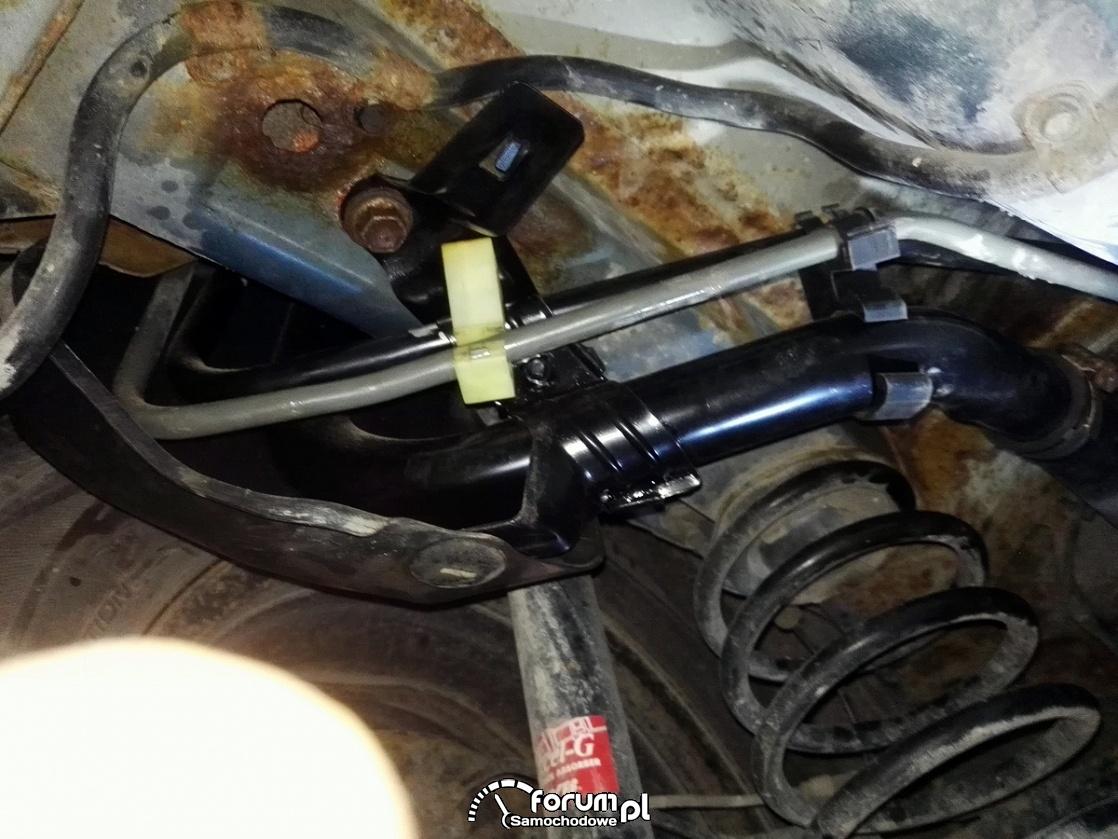 Wymiana rury wlewu paliwa - Toyota Yaris II P9 2006 - 2011