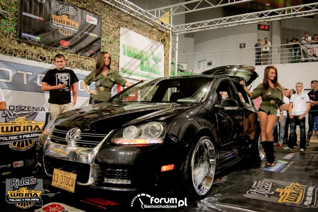 Volkswagen Golf V - tuning, dziewczyny