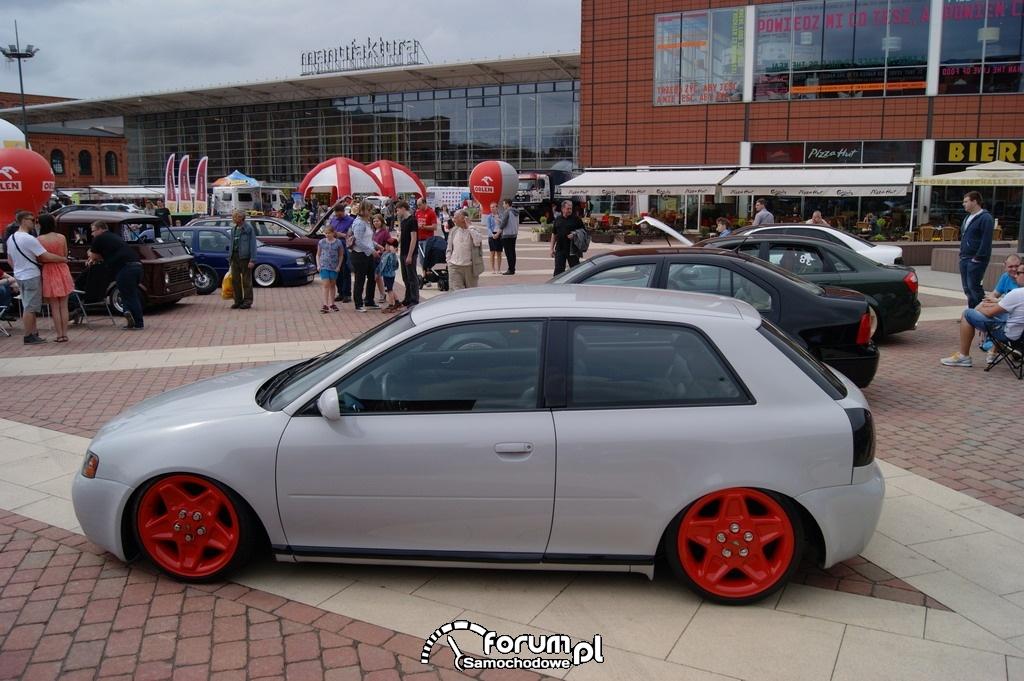 Audi A3 8L, bok