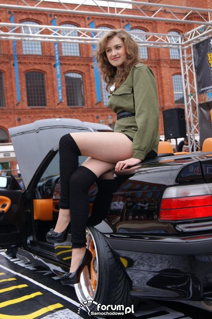 Hostessy, BMW 328i Cabrio