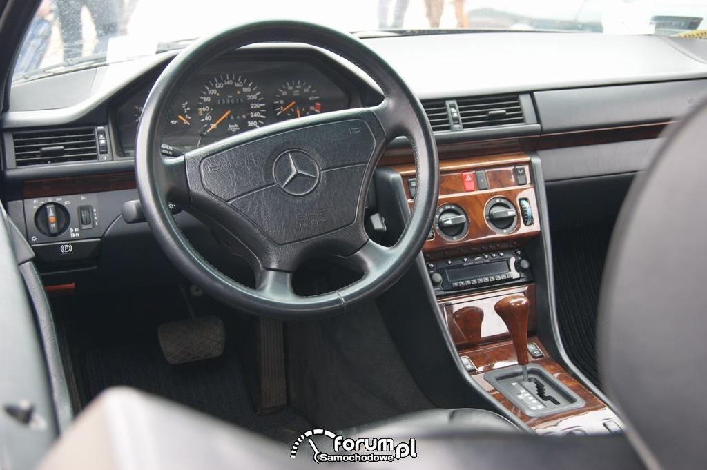 Mercedes W124 Coupe AMG, wnętrze