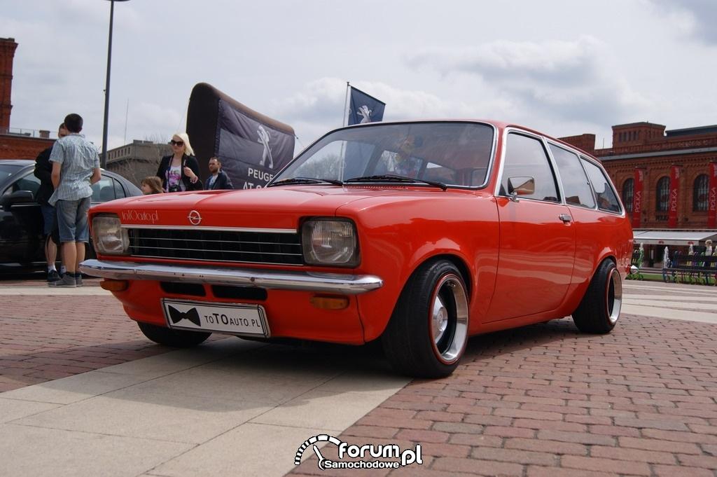 Opel Caravan 1200, przód